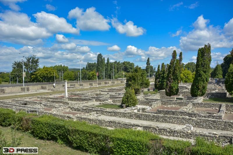 IS ruiny murów rzymskich